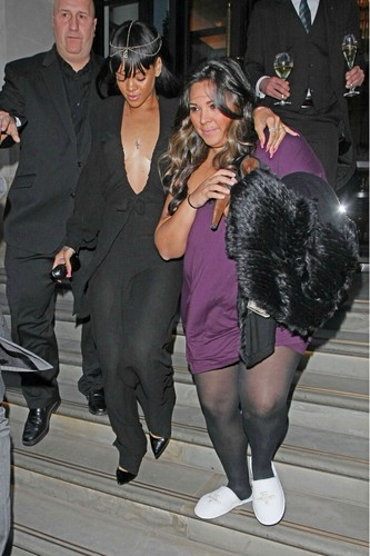 Leaving Her Hotel In Londres [19 May 2012]