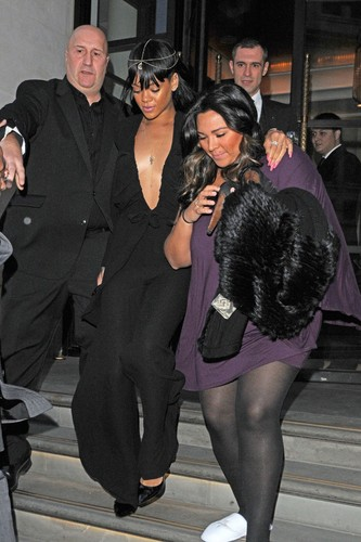 Leaving Her Hotel In London [19 May 2012] - rihanna Photo