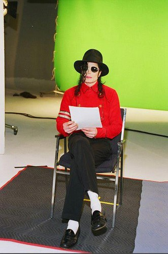 Man in red -Backstage (rare) ♥ *-*