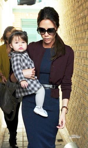 May 11th - Londra - Victoria And Harper Leaving Selfridges