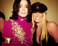 Michael Jackson and Britney Spears in 2001 - michael-jackson photo