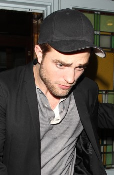 New Pics of Rob leaving A London Club Monday - robert-pattinson Photo