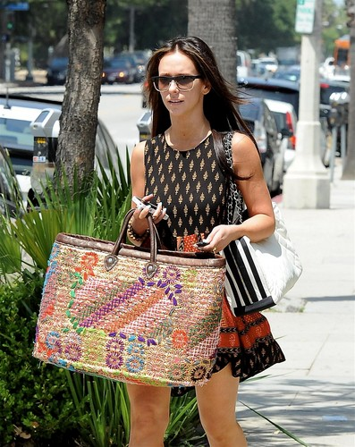 Outside A Drybar In Studio City [11 May 2012]