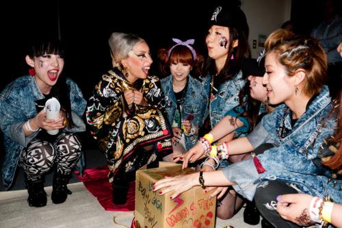 các bức ảnh of Gaga in Tokyo bởi Terry Richardson