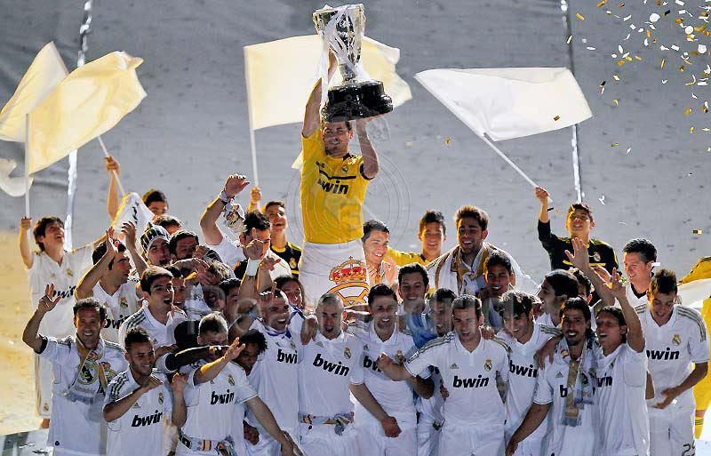Real Madrid C F  Real Madrid La Liga Champions 2011 2012