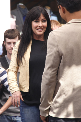 Shannen - Appears on 'Extra' at The Grove in LA, April 09, 2012