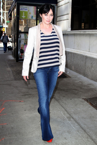 Shannen - Out & about in NYC, April 03, 2012