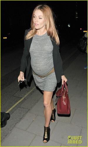 Sienna Miller: Claridge's Baby Bump Exit