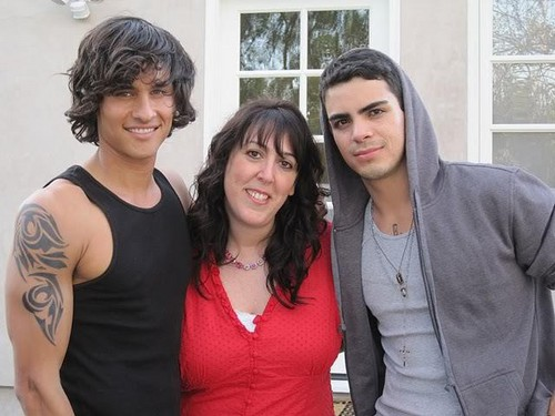 Simone Elkeles with Alex and Carlos