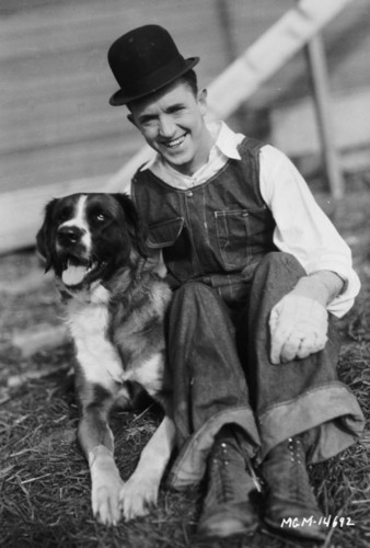 Stan Laurel and a dog