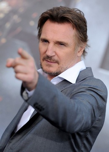 Liam Neeson wallpaper with a business suit, a suit, and a dress suit titled Stars at the Premiere of 'Battleship' in LA