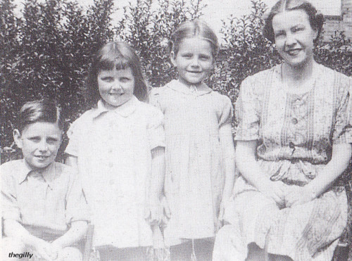 Stuart with his sisters and mother