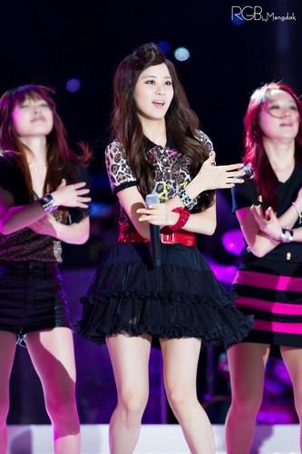 Taeyeon Tiffany Seohyun @ Dream konser 2012