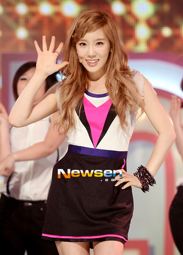 Taeyeon Tiffany Seohyun @ MBC tunjuk Champion