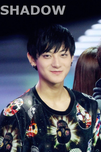 Tao 壁紙 entitled Tao Happy :)