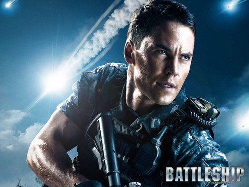 Taylor Kitsch wallpaper containing a rifleman, a green beret, and a navy seal called Taylor(Battleship)