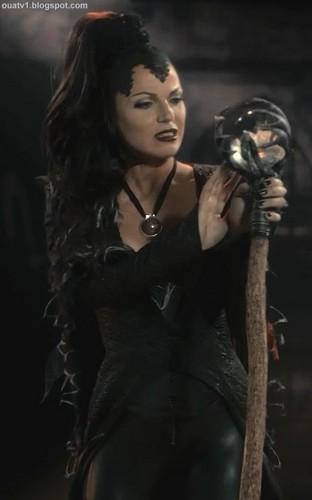 The Evil 퀸