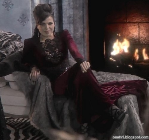 The Evil Queen/Regina Mills achtergrond containing a fireplace, a drawing room, and a living room entitled The Evil Queen