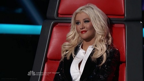 Christina Aguilera wallpaper with a portrait called The Voice Season II Episode 21 (8 May 2012)
