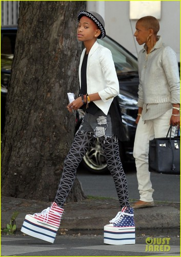 Willow Smith: Stars & Stripes Sky-High Sneakers!
