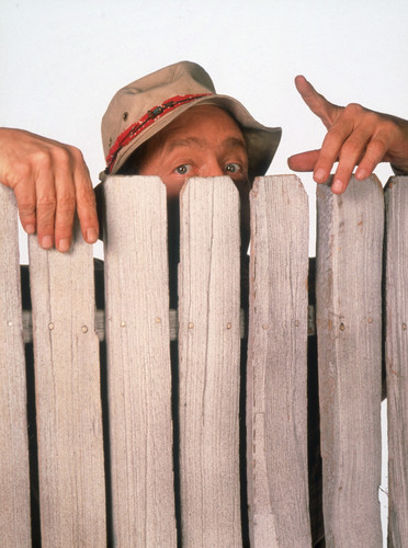 Home Improvement (TV show) wallpaper with a picket fence called Wilson