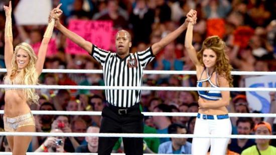 WWE Kelly Kelly vs Beth Phoenix