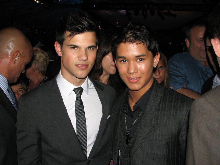 Booboo Stewart vs. Taylor Lautner images boobo and taylor ... Twilight Wolf Pack Seth