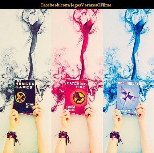 The Hunger Games wallpaper entitled books