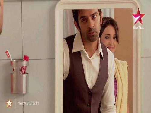 Iss Pyar Ko Kya Naam Doon wallpaper containing a well dressed person called khushi and arnav