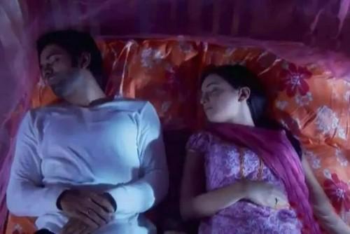 khushi and arnav's bed scenes