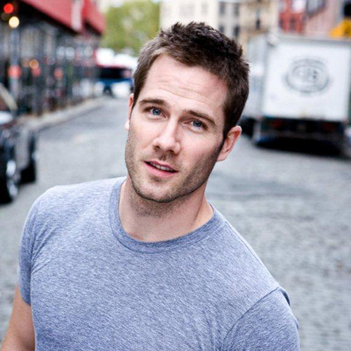 Luke Macfarlane Hintergrund possibly containing a straße titled luke macfarlane