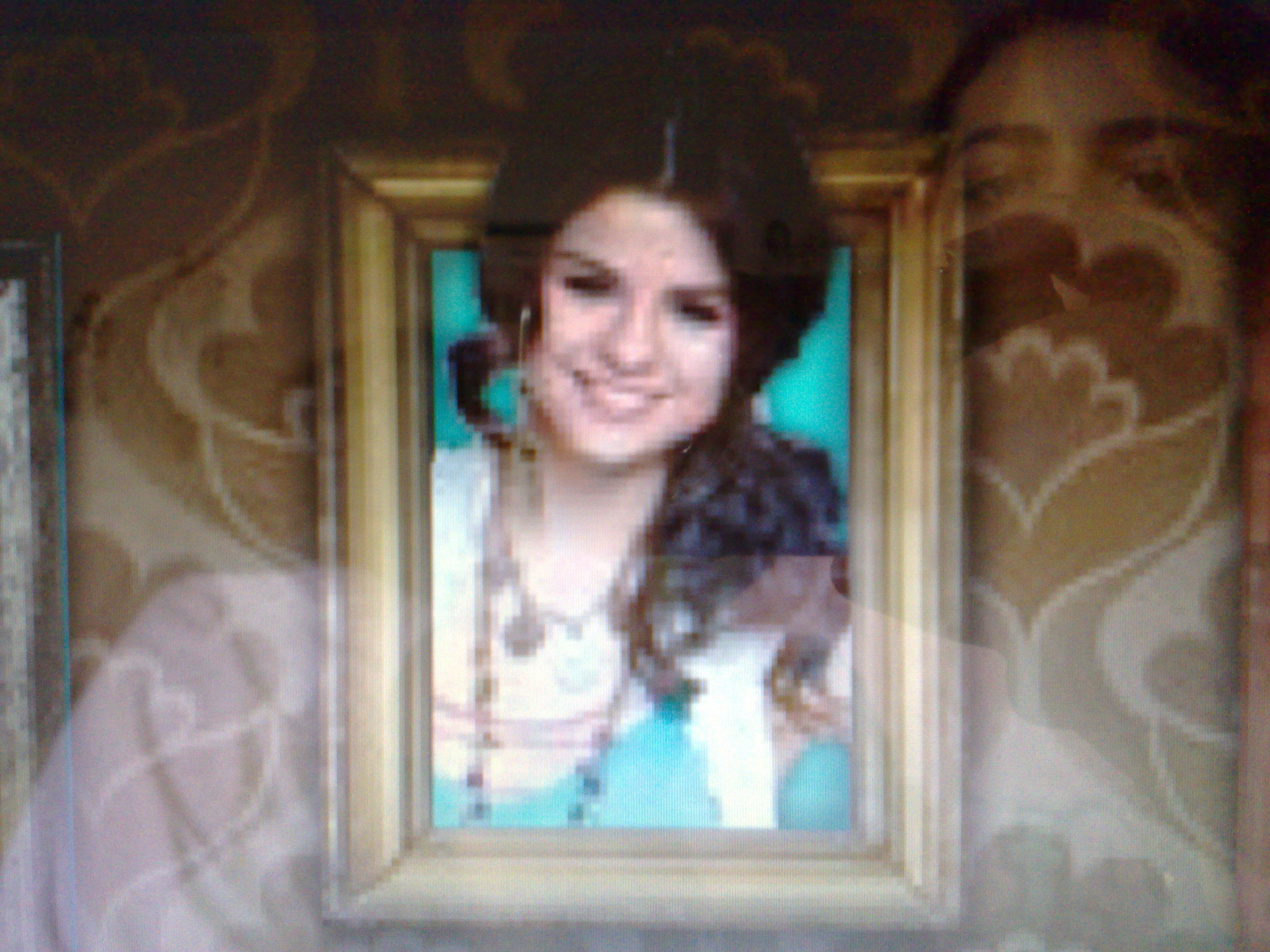 selena gomez real cell - photo #44