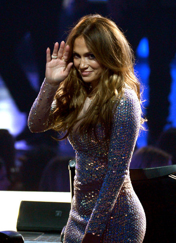 """""""American Idol"""" Grand Finale montrer [23 May 2012]"""