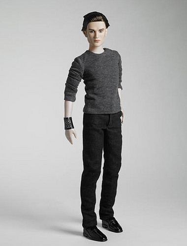 Edward Cullen wallpaper containing a well dressed person, an outerwear, and a pantleg entitled ♥Edward♥