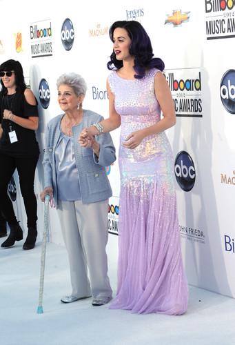 2012 Billboard muziki Awards in Las Vegas [20 May 2012]