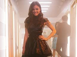 Pretty Little Liars wallpaper entitled Aria at homecoming