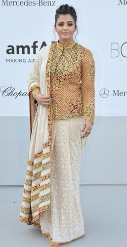 Aishwarya Rai wolpeyper entitled Ashwariya at cannes 2012