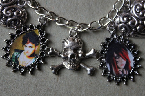 Blood on The Dance Floor achtergrond possibly with a halsketting, ketting called BOTDF Dahvie Vanity Jayy Von Monroe charm bracelet