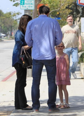 Ben and Jen take their girls to see a school play