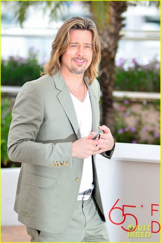 Brad Pitt wallpaper containing a business suit and a well dressed person called Brad Pitt: 'Killing Them Softly' Photo Call!