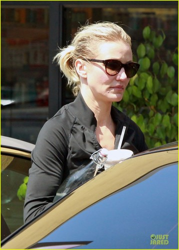 Cameron Diaz: Drew Barrymore's Fiance Asked for My Blessing