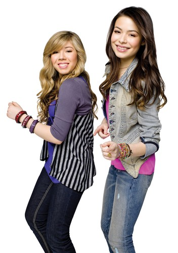 iCarly wallpaper containing a well dressed person, a pantleg, and a hip boot titled Carly & Sam