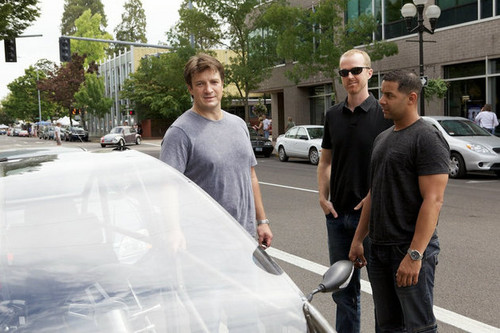kastil, castle Stars Nathan Fillion and Jon Huertas Go Joyriding (PHOTOS)
