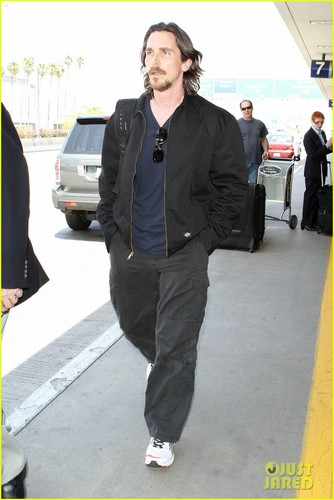 Christian Bale's Low-Key Landing - christian-bale Photo