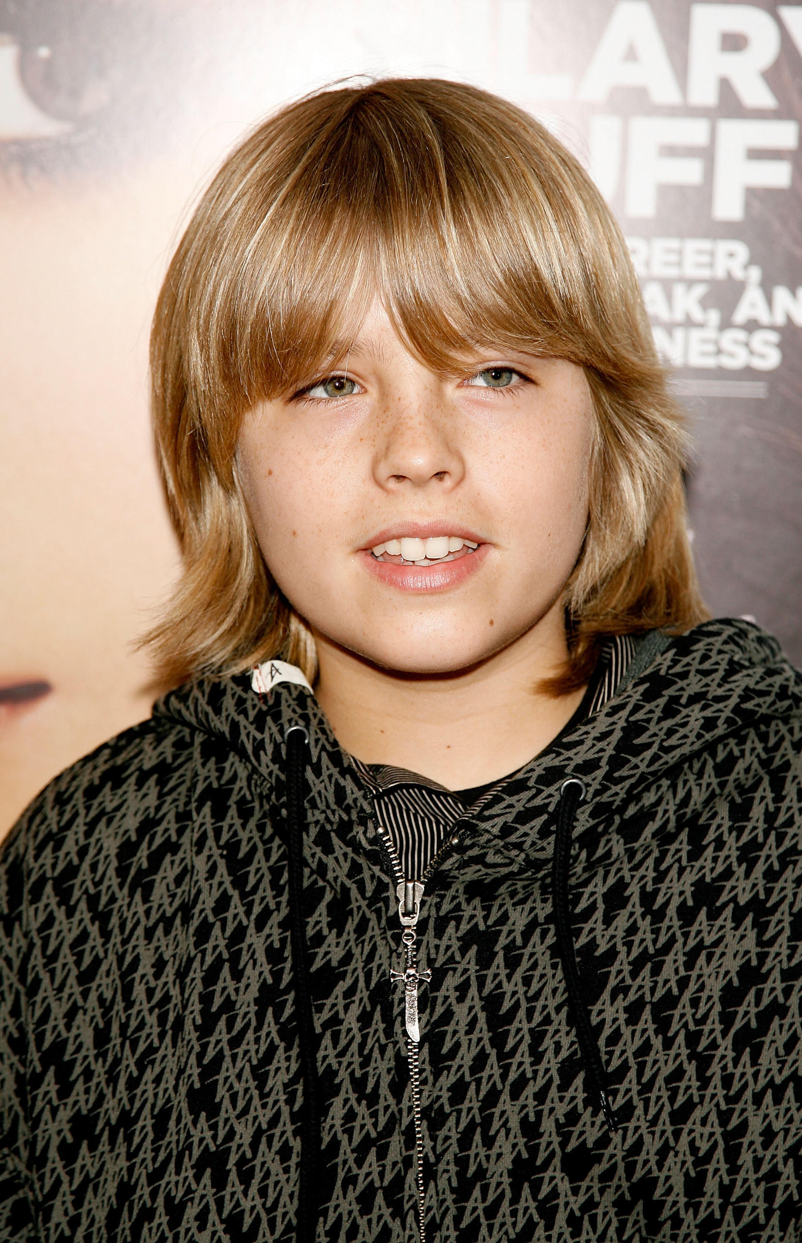 http://images5.fanpop.com/image/photos/30900000/Cole-Dylan-Sprouse-The-2007-Hollywood-Life-Magazine-s-9th-Annual-Young-Hollywood-Awards-the-sprouse-brothers-30980506-1652-2560.jpg