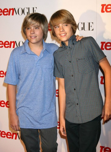 Братья Спроус Обои possibly containing a well dressed person titled Cole and Dylan Sprouse @ Teen Vogue Young Hollywood Party, 18 Sep 2008