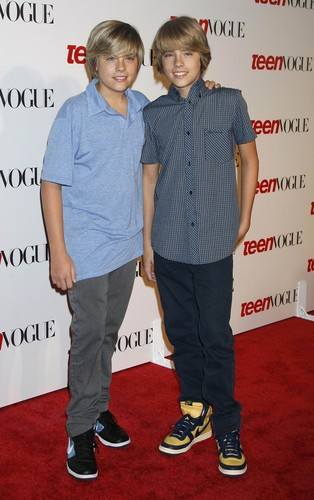 Братья Спроус Обои possibly containing a sign entitled Cole and Dylan Sprouse @ Teen Vogue Young Hollywood Party, 18 Sep 2008