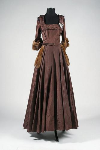 Dresses worn by Bette Davis