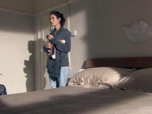 Effy Stonem Обои possibly containing a living room, a hotel room, and a family room titled Effy Stonem