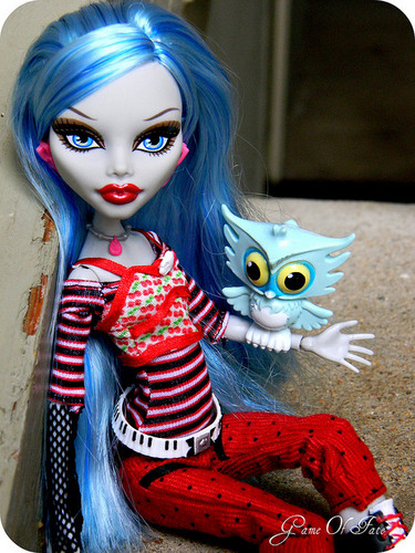 Monster High fond d'écran entitled Ghoulia Yelps doll